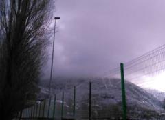 Neige Lourdes 65100 Le pic du Jer dans les nuages à midi