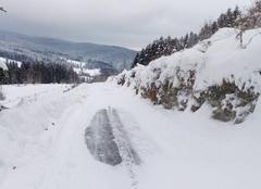 Neige La Chamba 42440 Verglas et neige, soyez prudents!...