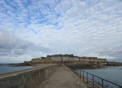 Ciel Saint-Malo 35400 Belle journée malgré les nuages