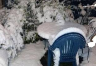 Neige Aubiere 63170 Jardin sous une épaisse couche de neige ..et à 20.43