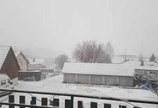 Neige Gennes 25660 Chute de neige importante