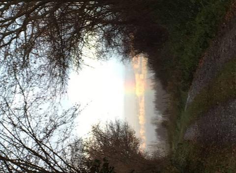 Arc en ciel sur Église neuve