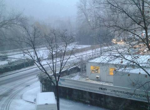 La neige arrive progressivement à Grenoble !