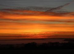 Ciel Bonnemaison 14260 Lever de soleil frileux, et brume sur la vallée de l'Orne