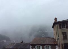 Brouillard Thiers 63300 Une vue sur la marge ride en ce moment