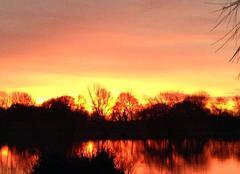 Ciel Saujon 17600 Couché de soleil sur le lac
