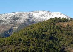 Neige Luceram 06440 Ce matin le Férion avec la neige et ce ciel bleu