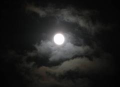 Ciel Menucourt 95180 2de photo de la pleine lune du 1er jour de l'année :