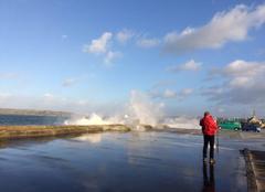 Vent Camaret-sur-Mer 29570 Vagues et embruns sur la jetée de Camaret