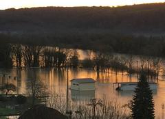 Insolite Longevelle-sur-Doubs 25260 Terrain de foot noyé
