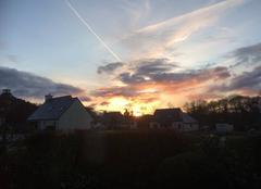 Ciel Bourbriac 22390 Belle lumière du soir à Bourbriac
