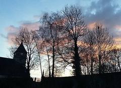 Ciel Le Fied 39800 Coucher de soleil d'hiver derrière le clocher