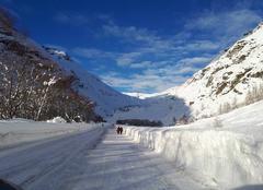 Neige Bessans 73480 Route de montagne