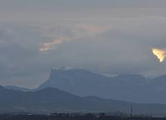 Nuages Cornas 07130 Les 3 becs dans les nuages.