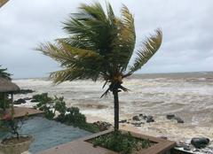 Tempête Rivière Noire La dépression  tropicale Berguitta sur la côte ouest de l?île Maurice