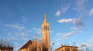 Ciel Romans-sur-Isere 26100 Notre-Dame au milieu des nuages