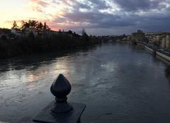 Nuages Romans-sur-Isere 26100 Couleurs du couchant sur les quais hier soir