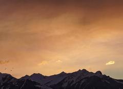 Ciel Le Noyer 05500 Lever du jour sur les sommets du Champsaur.