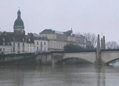 Pluie Chalon-sur-Saone 71100 La Saône monte
