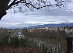 Nuages Romans-sur-Isere 26100 Gros et maussade sur l'Isère