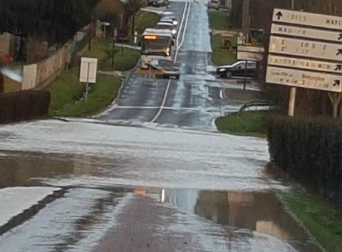 Route inondée entre Coulommiers et Boissy le Chatel