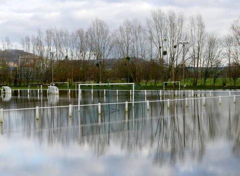 Terrain de sport inondé, Saint-Vaast-d?Equiqueville, janvier 2018