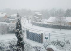 Neige Saint-Symphorien-de-Lay 42470 Beau manteau blanc