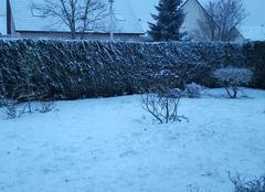 Neige Saint-Ouen-du-Tilleul 27670 Petit manteau neigeux ce matin