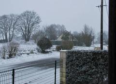 Neige Bernes 80240 Hameau de Fléchin sous 5cm de neige