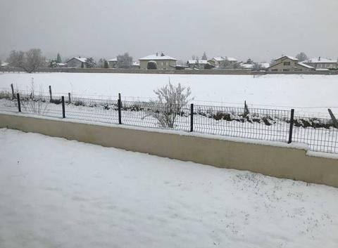 Sous la neige ...le silence au réveil