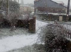 Neige Gelles 63740 La neige arrive