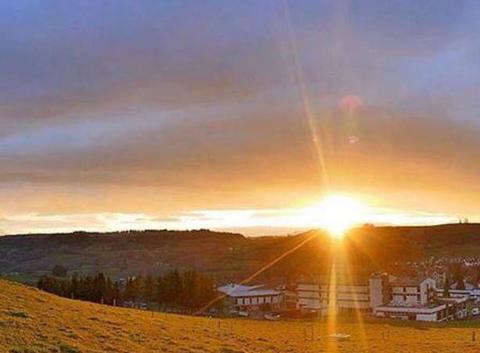 Le soleil se lève sur aurillac
