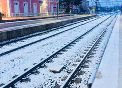 Neige Rillieux-la-Pape 69140 Rails enneigés à la gare de Sathonay Rillieux