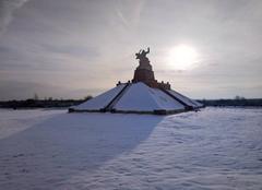 Neige Souain-Perthes-les-Hurlus 51600 Neige Monument de Navarin Marne