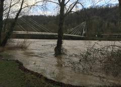Pluie Pau 64000 Crue du Gave de Pau après les pluies abondantes sur les Pyrénées Atlantique