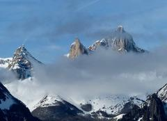 Nuages Lescun 64490 Aiguilles d'Ansabere voilées par des nuages
