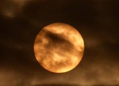 Ciel Niort 79000 A travers les nuages
