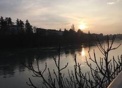 Ciel Romans-sur-Isere 26100 Soleil couchant sur les quais