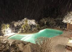 Neige Grasse 06130 Neige dans la piscine