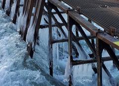 Froid Mouzon 08210 Glace sur la rivière