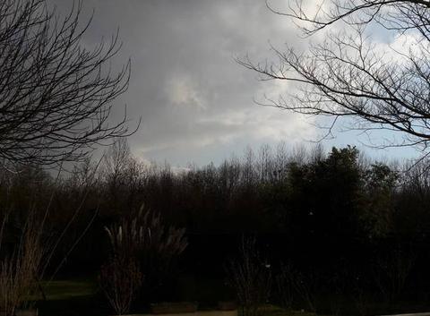 Nuages, soleil et neige