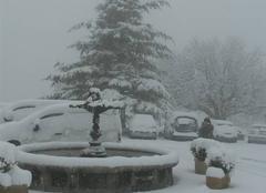 Neige Mons 83440 Fontaine enneigée