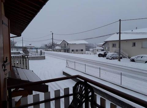 Neige en haute Savoie en pleine 5 cm en plus pour le moment