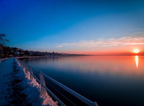 Thonon-Les-Bains: Le soleil part se coucher