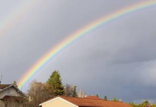 Insolite Beligneux 01360 Apres la pluie , l arc en ciel