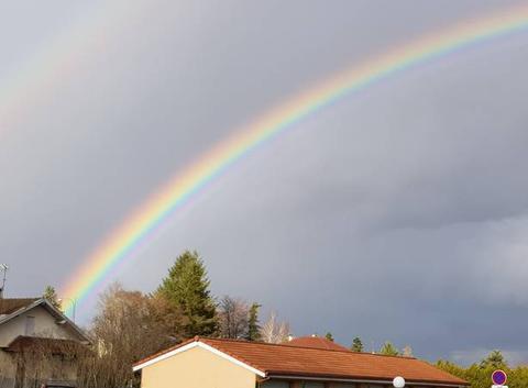 Apres la pluie , l arc en ciel