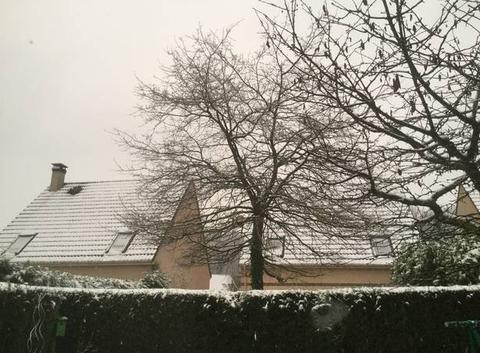 Il neige sur mery depuis ce matin