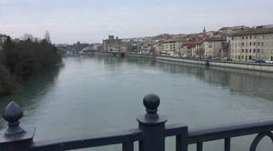 Nuages Romans-sur-Isere 26100 Maussade et froid sur les quais en ce jour de printemps