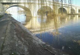 Chaleur Tours 37000 Vue sur le pont de sanitas