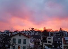 Ciel Antony 92160 Le jour se lève le ciel est flamboyant
